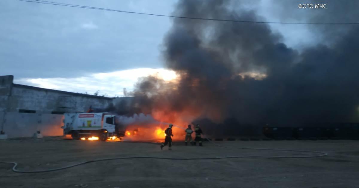 Во Владимире сгорели 10 мусоровозов